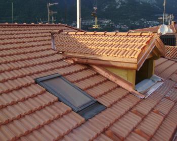 Ristrutturazione tetti maggi edile for Abbaino tetto prezzi